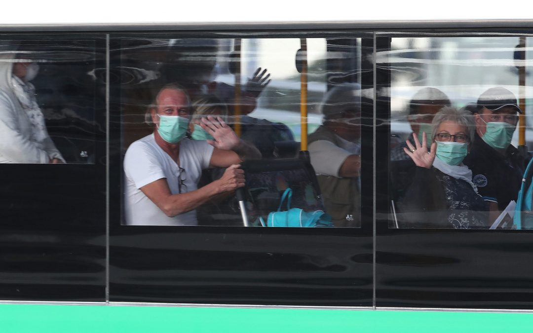 More than 800 German cruise passengers head home, 41 infected with coronavirus remain in Australia